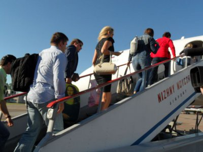 Объем пассажирских авиаперевозок в России продолжает снижаться