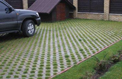 Варианты обустройства парковки на даче